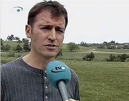 Roland Rino Büchel steht für Feldwerbung ein