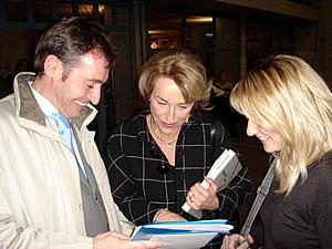 Gut gelaunt: Roland Rino Büchel, Silvia Blocher, Patricia Büchel an der Feier in Herrliberg
